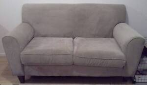 2 seater sofa Pitt Town Hawkesbury Area Preview