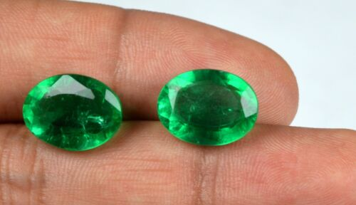 100% Natural Oval Muzo Colombian Emerald Gemstone Pair 13-15 Ct AGI Certified
