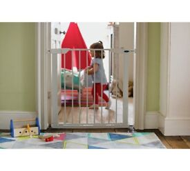 Cuggl Pressure Fit Safety Gate with extension, immaculate condition, max width 89 cm (two available)
