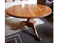 Victorian Antique farmhouse round pine dining table