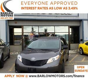 2015 Toyota Sienna *EVERYONE APPROVED* APPLY NOW DRIVE NOW.