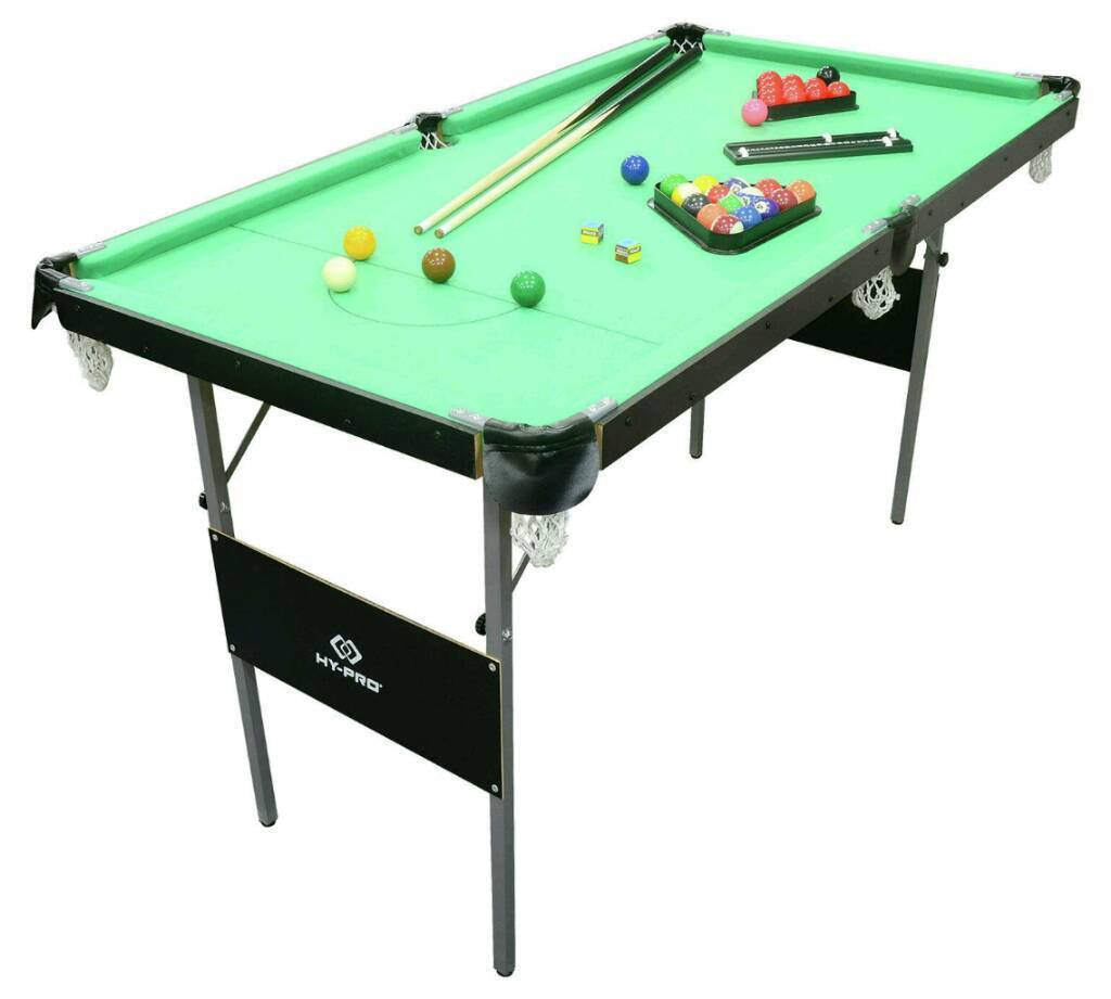Immaculate snooker table