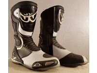 Postage Available *Berik GPX Motorcycle Boots *Sports Racing Track *EU 44 UK 9.5 *Black White *VGC