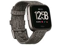 Fitbit versa Special edition charcoal brand new condition