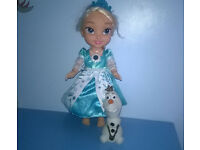 Frozen Snow Glow Elsa Doll , hardly played with, from smoke and pet free home