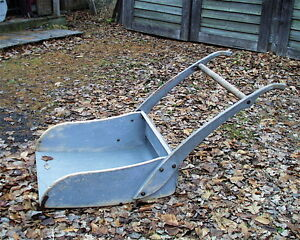 VINTAGE 2 MAN WOODEN SNOW BLOUGH  GREAT FOR FIRE PLACE DECOW Gatineau Ottawa / Gatineau Area image 1