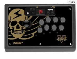 Madkatz TES+  Fightstick Street fighter V Bison PS4 / PS3 / PC
