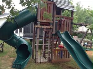 Kid's Play Structure