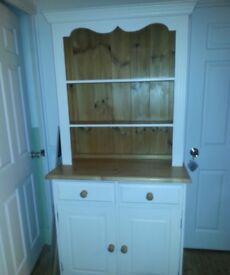 Dresser white and pine