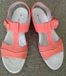 Sandals - Hush Puppies Brand new