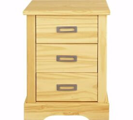 Collection Mendoza 3 Drawer Bedside Chest - Pine