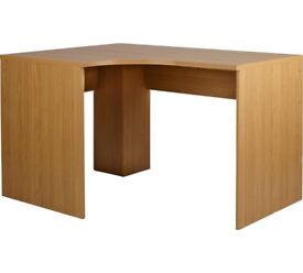 Corner Desk, good condition