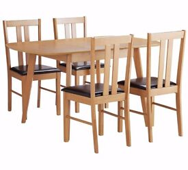 HOME Witley Extendable Solid Wood Table & 4 Chairs 607.