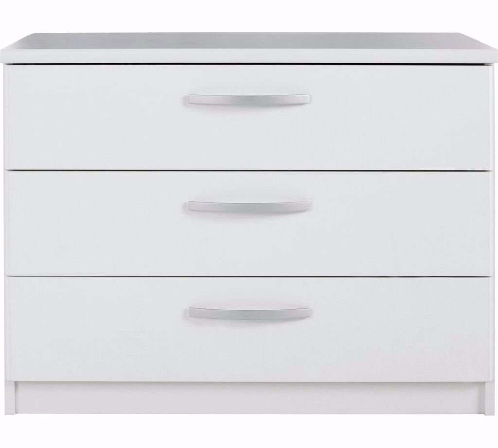 New Hallingford 3 Drawer Wide Chest - White (NEW)