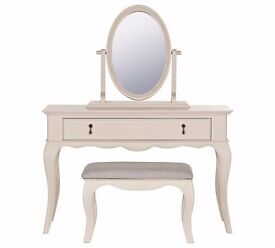 EX DISPLAY Schreiber Longburton Dressing Table, Stool & Mirror - Cream