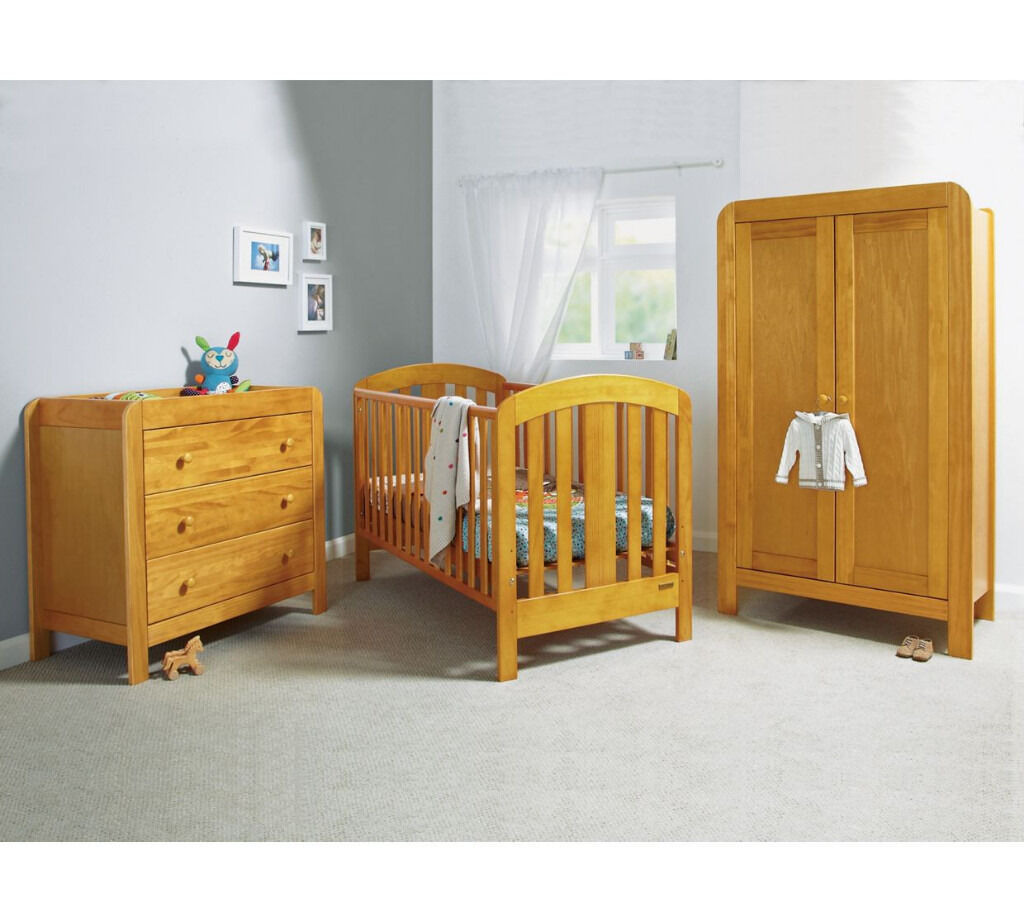 Mamas Papas Vico 3 Piece Nursery Furniture Set Cot Bed Dresser And Wardrobe