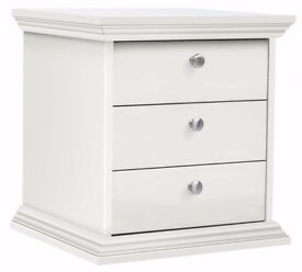 Ex display Canterbury 3 Drawer Bedside Chest - White