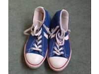 Converse Trainers, girls size 5