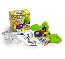 CRAYOLA PAINT MAKER SET - BRAND NEW IN BOX