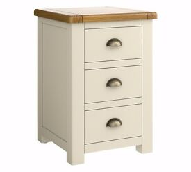 Ex display Heart of House Kent 3 Drawer Bedside Chest - Cream & Oak