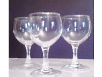 Set of 3 Matching Short Stem Clear Glass Wine Liqueur Aperitif Drinking Glasses.
