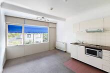 LIGHT FILLED STUDIO APARTMENT IN A GREAT LOCATION CLOSE TRANSPORT Crows Nest North Sydney Area Preview