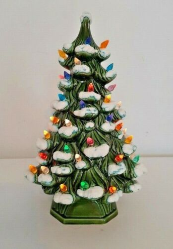 """Vintage HOLLAND MOLD CERAMIC CHRISTMAS TREE with Snow, 11"""" Multi Color Lights"""
