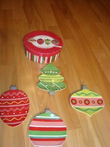 Boston Warehouse Christmas Themed Shaped Plates - Set of 4 -NEW