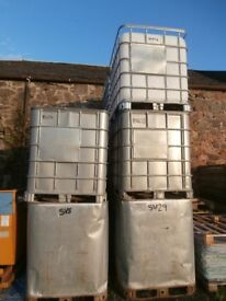 Water storage tanks, 1000litres, with top opening and bottom valve with cap