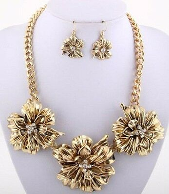Antique Gold Flower Burst Crystal Centers Chunky  Necklace Set Fashion Jewelry Antique Gold Jewelry Set