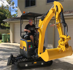 Mini EXCAVATOR ✔️ SMALL JOB ✔️ SMALL PRICE ✔️ Excavation Digging Ashmore Gold Coast City Preview