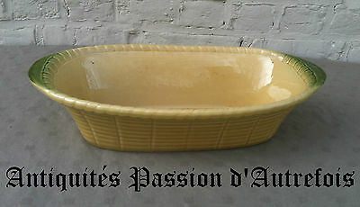 B20141023 - Grand plat de 40 X 22 cm en faïence - Très bon état
