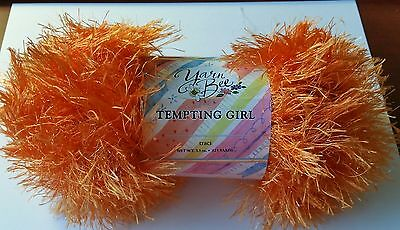 YARN BEE TEMPTING GIRL TRACI - SPARKLY ORANGE - PERFECT FOR HALLOWEEN DECO](Halloween Crafts For Girls)