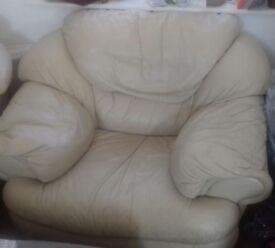 2 leather armchair