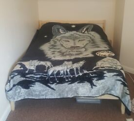 WOLF BLANKET Large Double Bed Sized Warm Nice Quality Soft