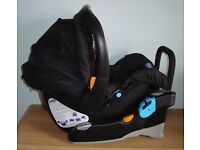 CHICCO CAR SEAT with KEYFIT BASE Excellent Condition 0-15 months. Rear facing