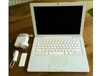 Apple macbook 13.3in