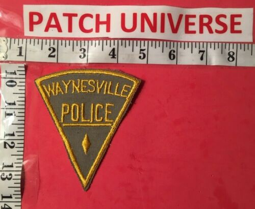 VERY OLD WAYNESVILLE  NC  POLICE  SHOULDER PATCH  O040