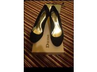 Dune-black suede-size 6