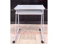 COMPUTER / LAPTOP STEEL TABLE