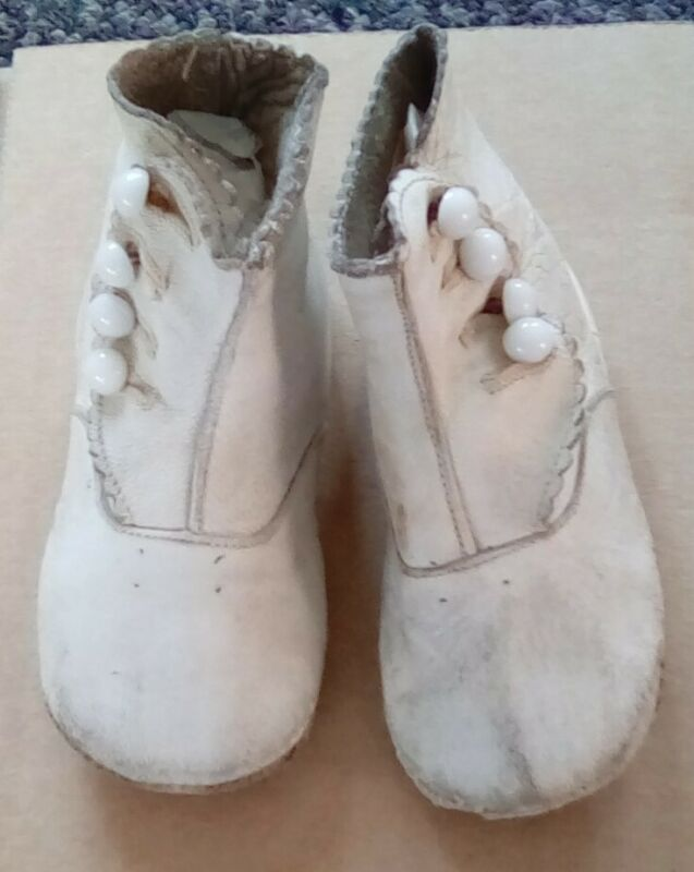 Antique Victorian WHITE LEATHER BUTTON BABY TODDLER SHOES