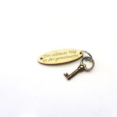 """Schlüsselanhänger mit Spruch """"Der schönste Weg ist der gemeinsame"""", Holz, Liebe"""