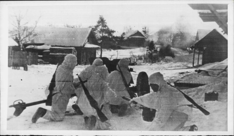 Russian Red Army Soldiers anti-tank guns 1943 Press Wire Photo