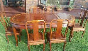 Elegant Vintage Dining table and 6 x chairs Alexandra Hills Redland Area Preview