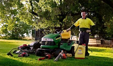MOWING DOWN UNDER TAMWORTH: LAWN AND GARDEN SERVICES