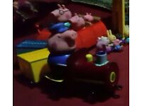 Peppa pig train with grandpa pig & car with daddy & mummy pig