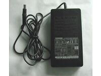 Original PA3048U-1ACA Toshiba AC Adapter 15V 4A