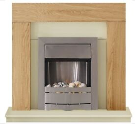 Like new, attractive electric fireplace