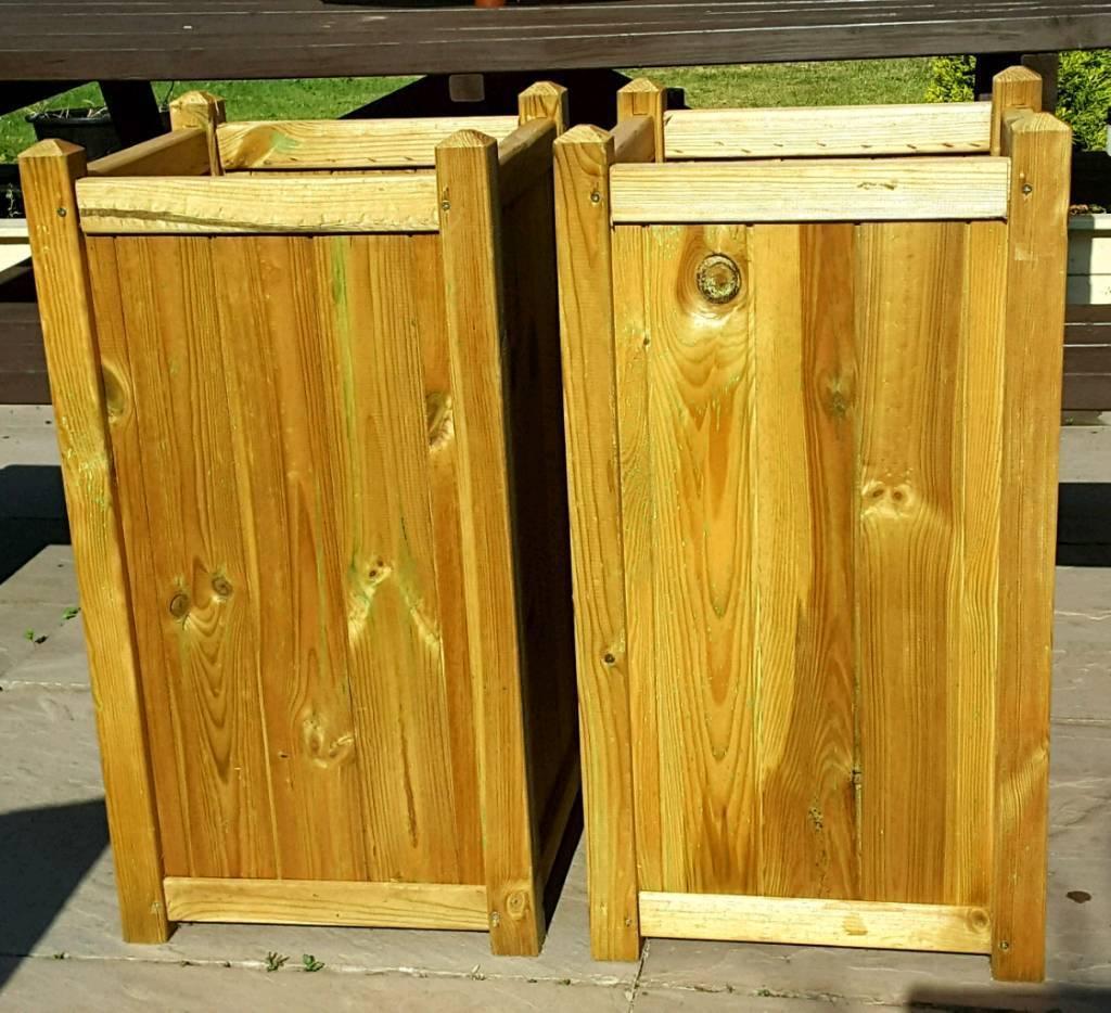 2 x forest tall wooden planters new in gainsborough. Black Bedroom Furniture Sets. Home Design Ideas