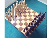CHESS BOARD AND CHESS SET